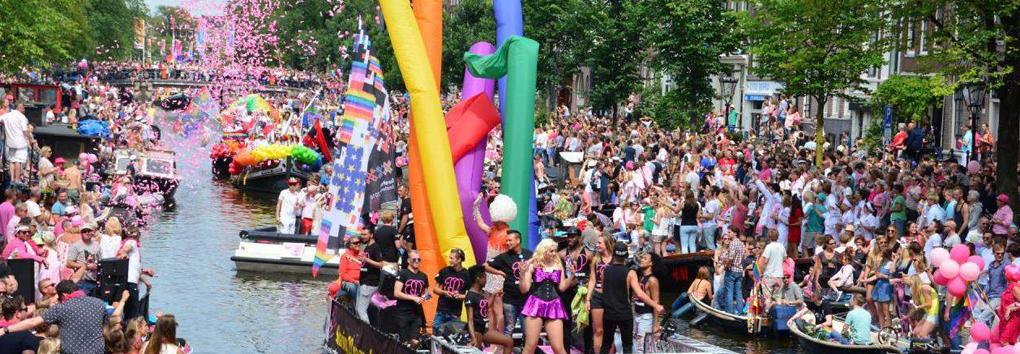 Van de Westelaken en Lust doen verslag van Canal Parade