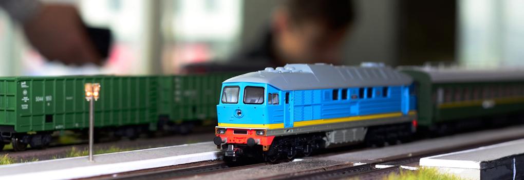 André van Duin presenteert De Grote Kleine Treinen Competitie