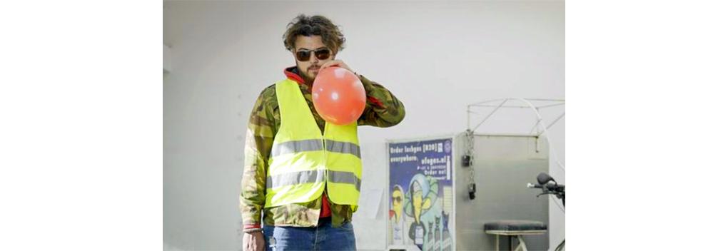 PowNed lanceert webserie over 'lachgaskoning' Deniz Üresin