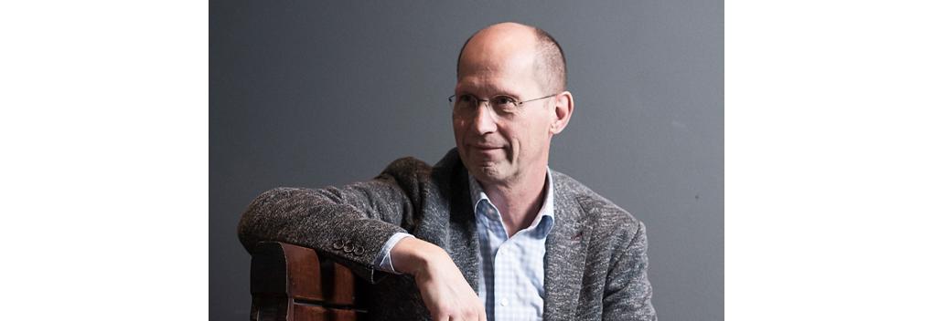 """Paul Römer: """"Extreme verlengingskosten FM-frequenties zijn de doodsteek voor de sector"""""""