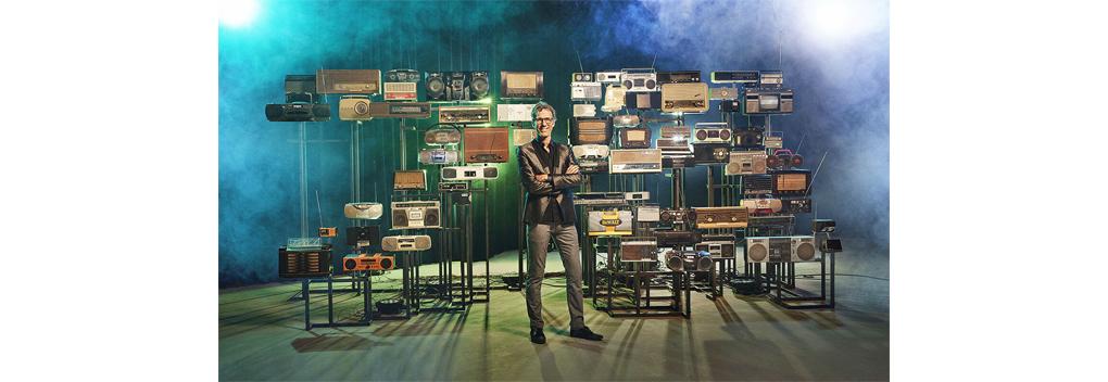 Hans Schiffers onthult kunstwerk ter ere van 75 jaar Arbeidsvitaminen
