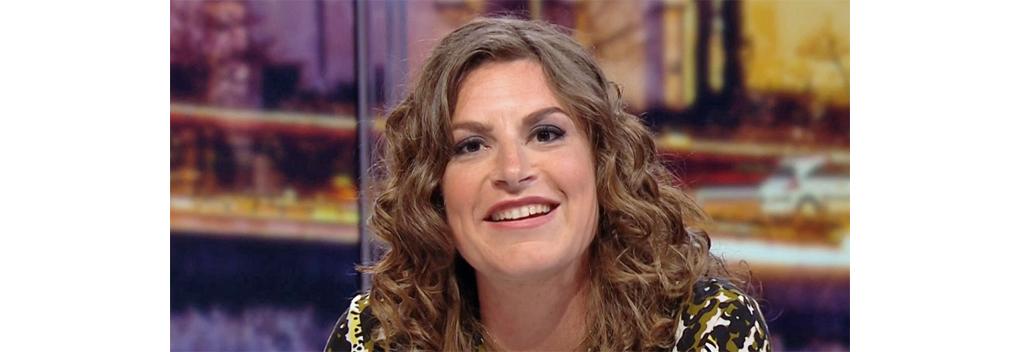 Suse van Kleef eerste vrouwelijke voetbalcommentator bij Langs de Lijn