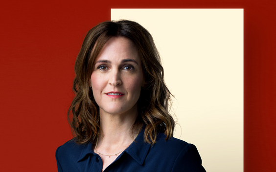 Janine Abbring presenteert nieuw seizoen VPRO Zomergasten