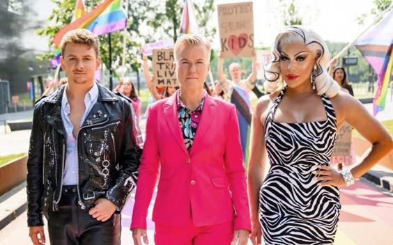 Jurre Geluk, Ellie Lust en Envy Pery presenteren de Pride Test