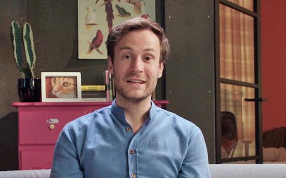 Roel Maalderink presenteert satirisch programma Plakshot op NPO 3