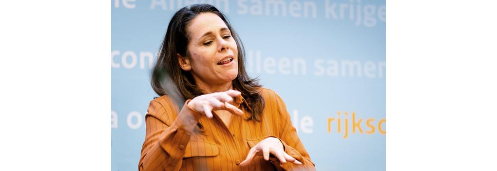 Gebarentolk Irma Sluis gaat een kinderprogramma presenteren